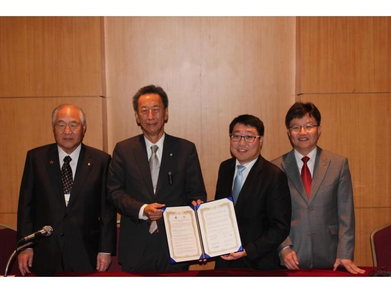 世界韓商でサンフランシスコとMOU締結2