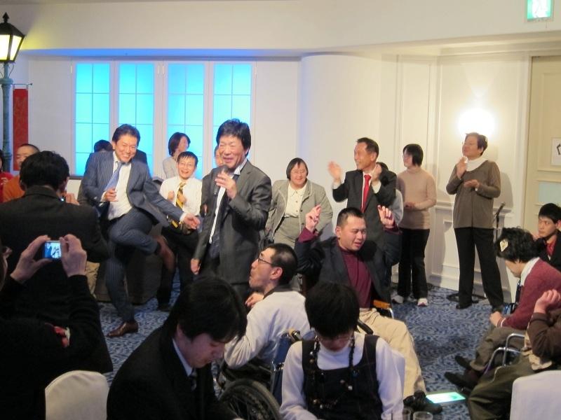李富鉄税理士事務所チャリティXmasパーティー3
