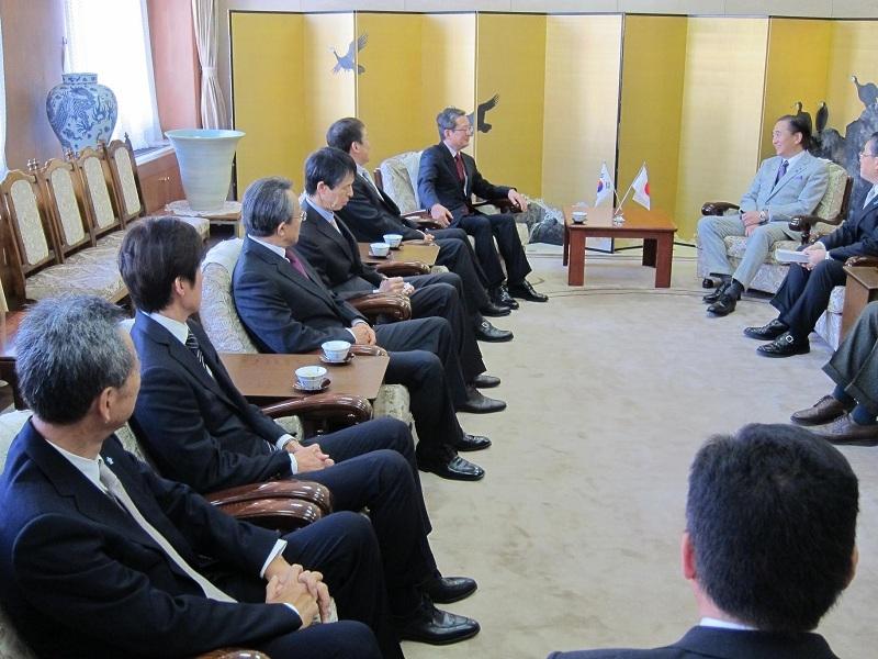 1月8日、神奈川県 黒岩知事 新年礼訪